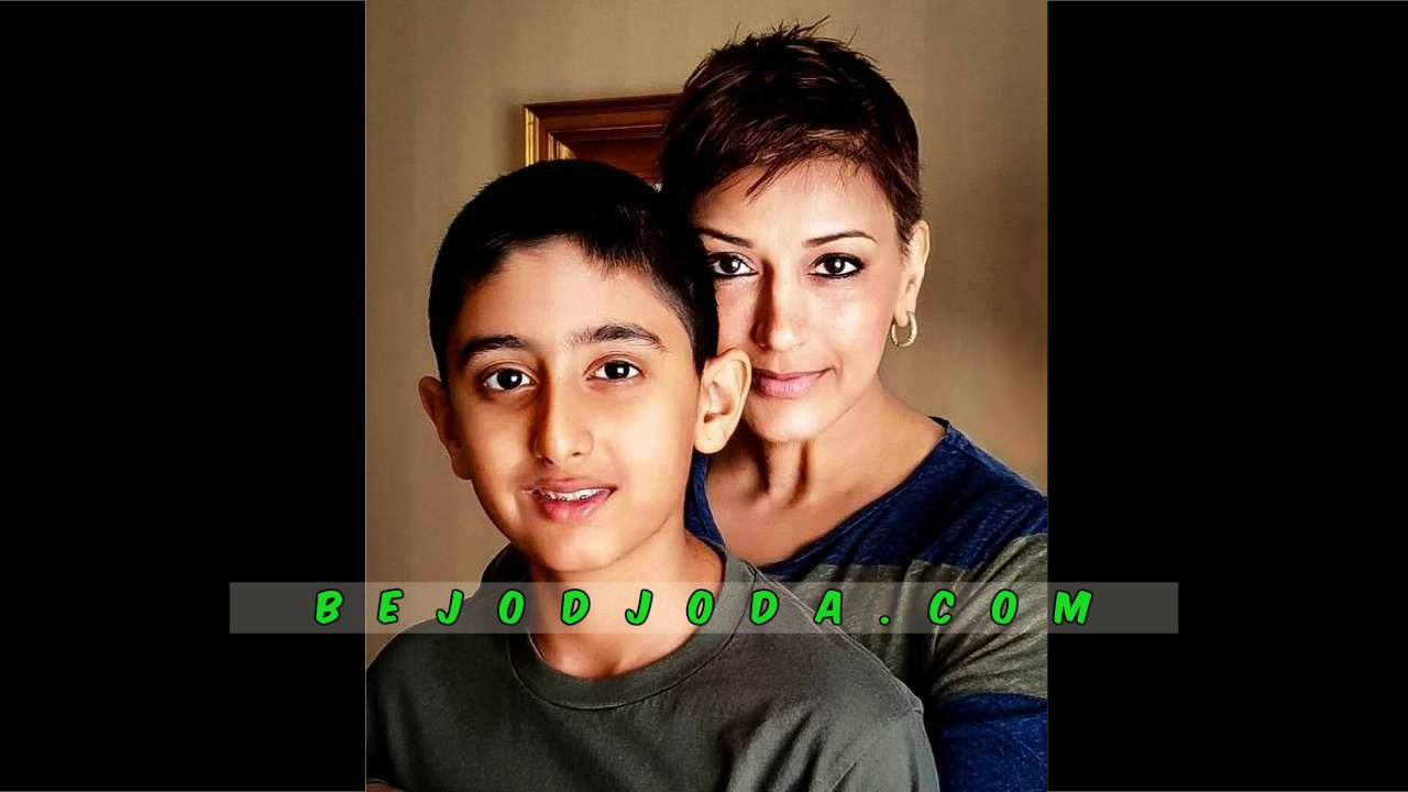 Actress Sonali Bendre with her son